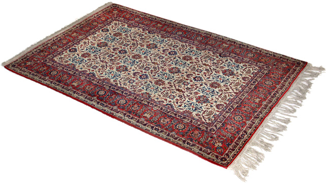 Antique Isfahan carpet or antique Kashan carpet ?